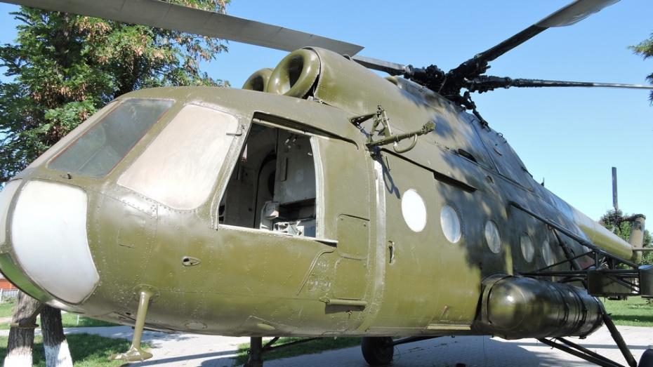 В Кантемировке в музее под открытым небом вандалы разбили окно и отломали дверь у вертолета