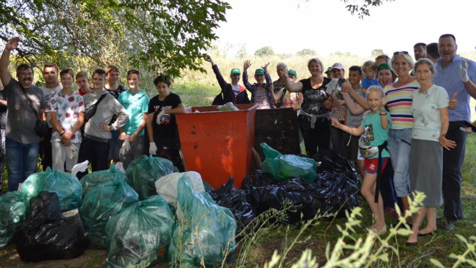 В Павловске прошла акция «Вода России»