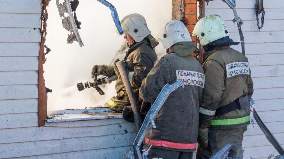 В Бутурлиновке на пожаре в жилом доме погиб мужчина