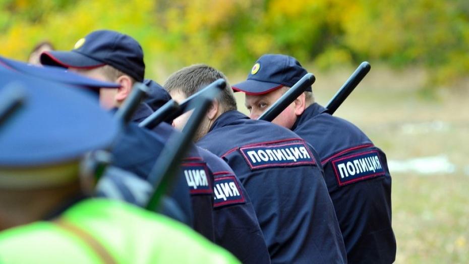 Губернатор и спикер облдумы поздравили воронежских полицейских