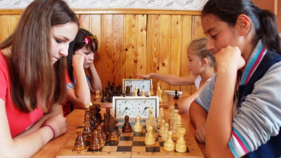 В Панинском районе прошел межрайонный открытый турнир по шахматам среди школьников