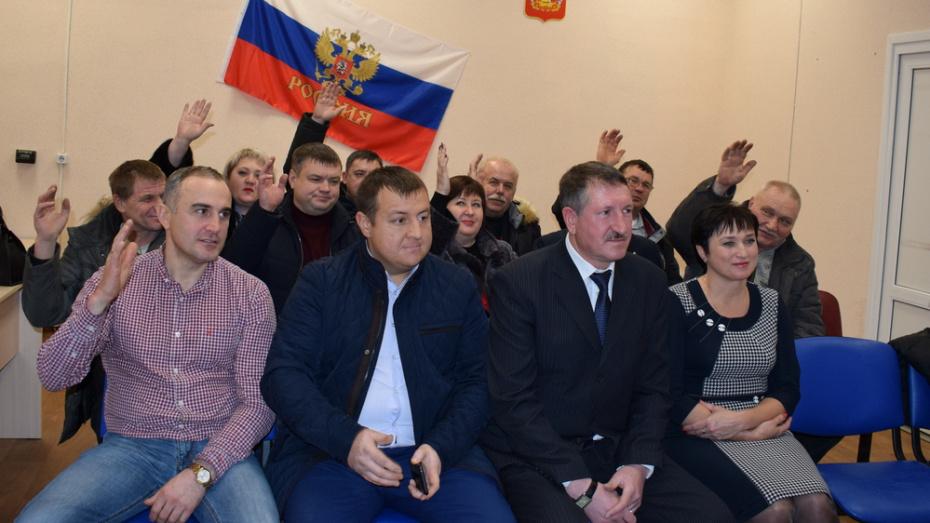 В Семилукском районе избрали глав в Латненском и Девицком поселениях