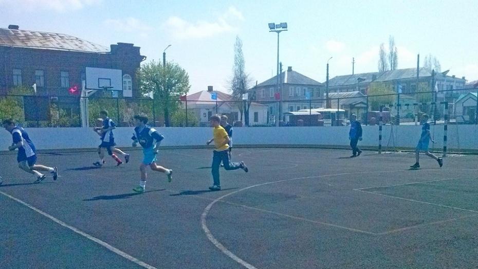 В Бутурлиновке прошел районный турнир по мини-футболу «Двор без наркотиков»