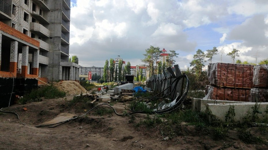 За смерть подростка, упавшего свысотки, ответит строительная компания