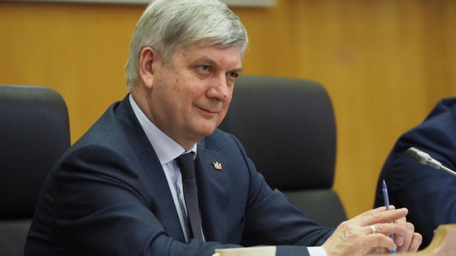 Глава Воронежской области остался в зоне политической стабильности по итогам марта