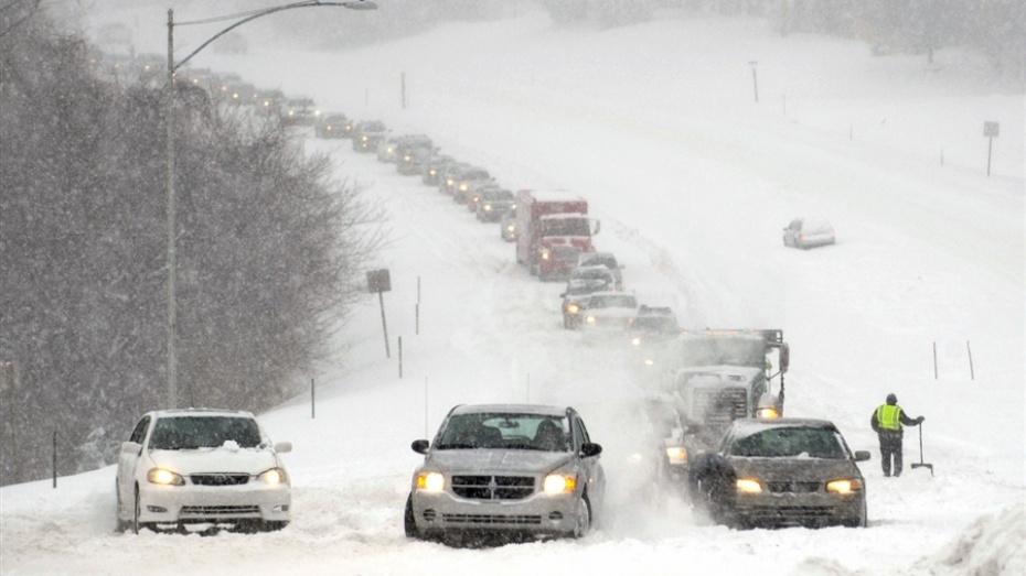 На США обрушился сильнейший за 100 лет снегопад