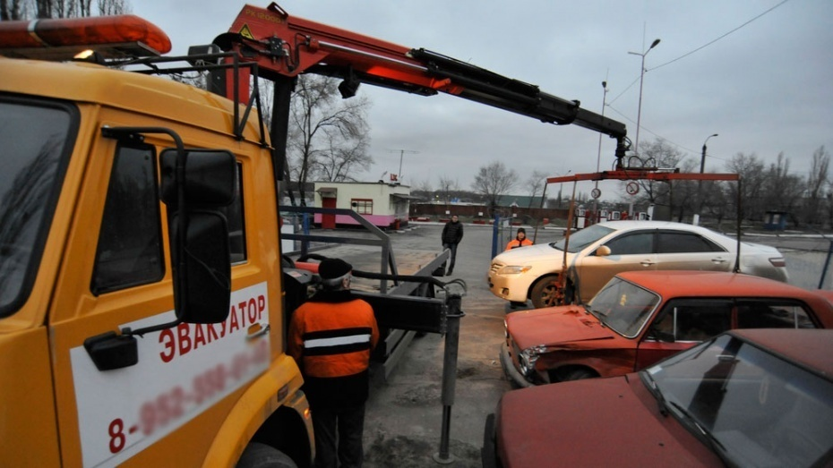Эвакуаторы вернутся на улицы Воронежа 20 января