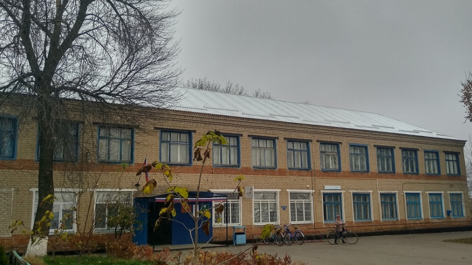 В кантемировском селе Новобелая отремонтировали крышу амбулатории