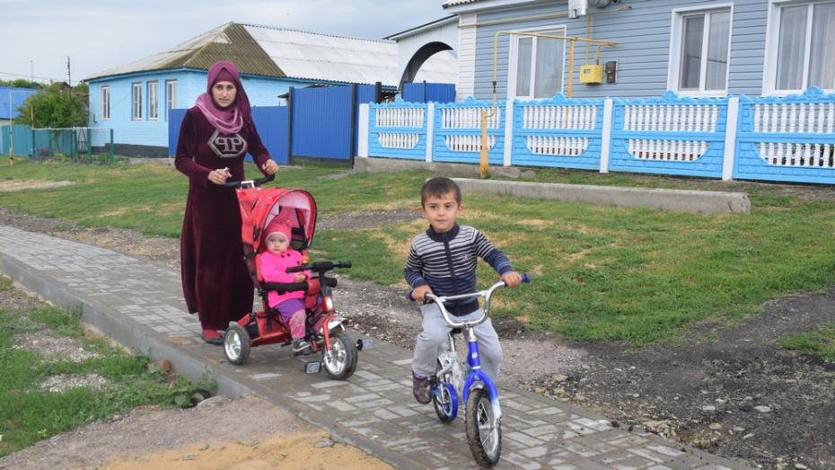 В Подгоренском районе на строительство тротуара потратили около 2 млн рублей