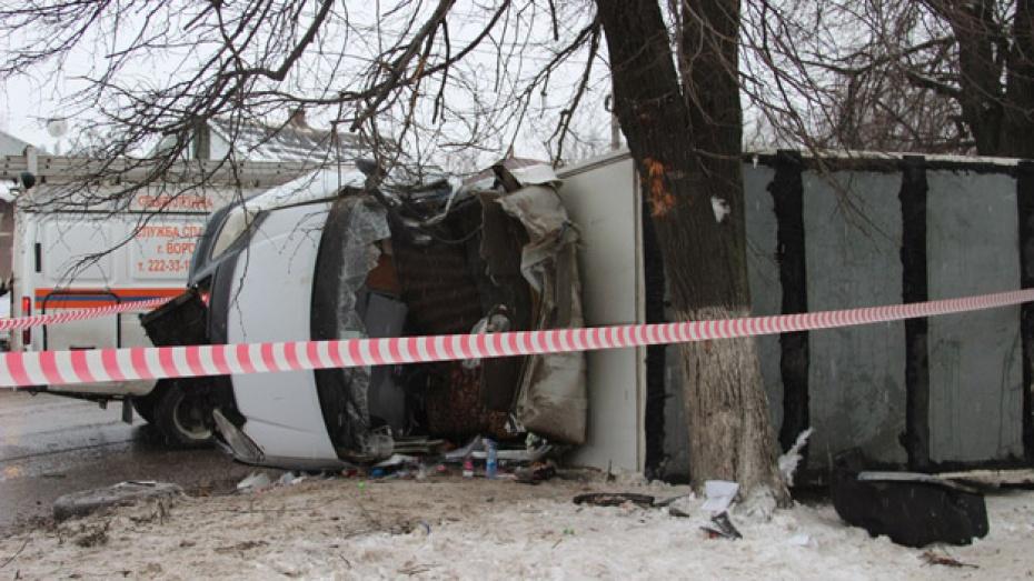 В Воронеже перевернулась «Газель»,  двое пострадали