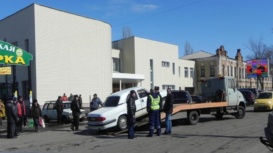 В центре Борисоглебска таксист сбил пожилую женщину