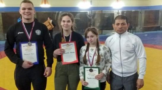 Аннинская спортсменка выиграла «золото» турнира по вольной борьбе в Воронеже