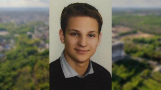 Московский школьник спас мужчину с инфарктом, из-за которого самолет посадили в Воронеже