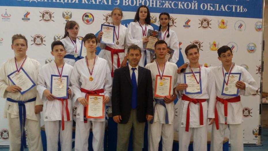 Бобровские каратисты завоевали 4 «золота» на областной спартакиаде среди учащихся