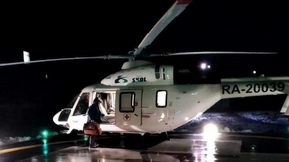 На вертолете в Воронеж доставили младенца с дыхательной недостаточностью