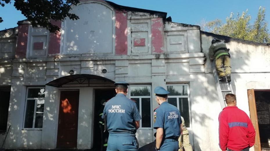 После пожара на избирательном участке в воронежской Воробьевке устроили новое голосование