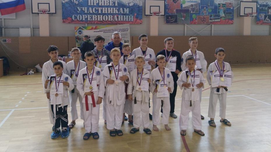 Верхнехавские каратисты получили 6 золотых медалей на областных соревнованиях