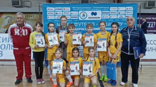 Футболистки из Терновского района стали серебряными призерами турнира ЦФО