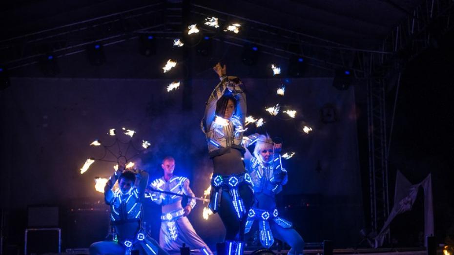 Воронежские артисты устроят фестиваль ради пострадавшей в ДТП фаерщицы