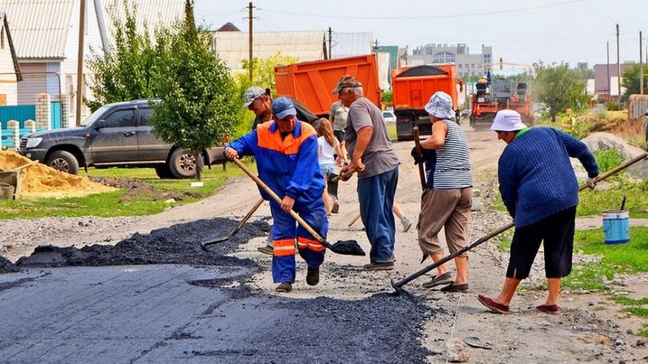 В Бутурлиновке на улице Сентябрьской проложат почти километр асфальта