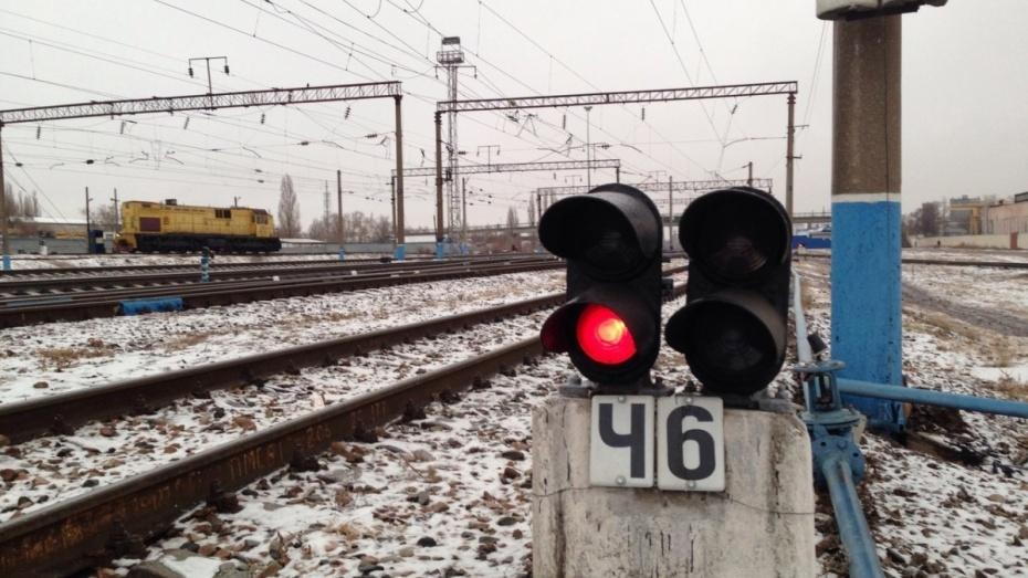 ВВоронежской области вагон грузового поезда сошел срельсов