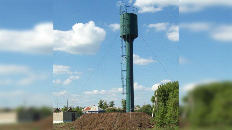 В таловском поселке Абрамовка установили новую водонапорную башню