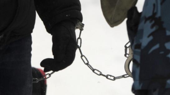 В Воронежской области юноши с помощью покрывала ограбили пенсионерку, за которой ухаживали