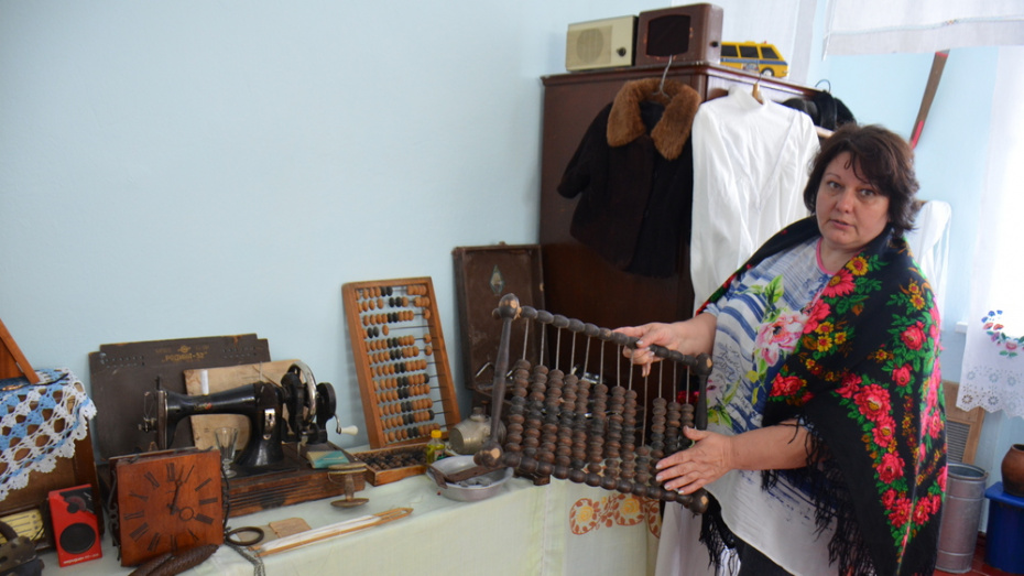 В верхнемамонском центре народного творчества открыли ретрокомнату