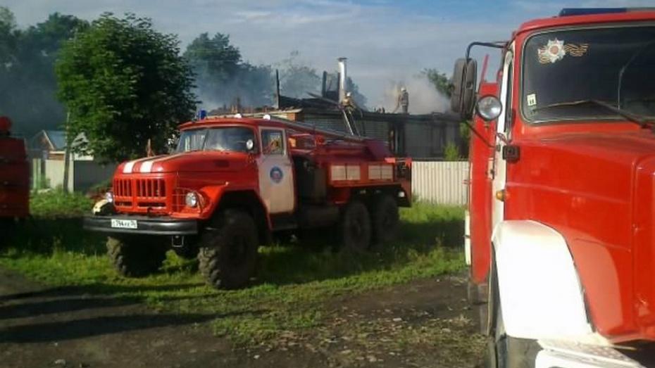 В Таловском районе  сгорел дом многодетной семьи