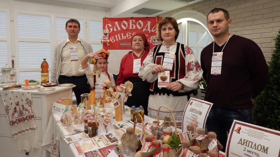 Репьевские мастера победили в финале Всероссийского конкурса Туристический сувенир