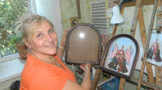 «Все объять смогу позже». Жительница Воронежской области написала более 100 икон
