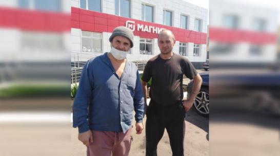 Актер Сергей Астахов приехал в гости к матери в панинское село Красный Лиман