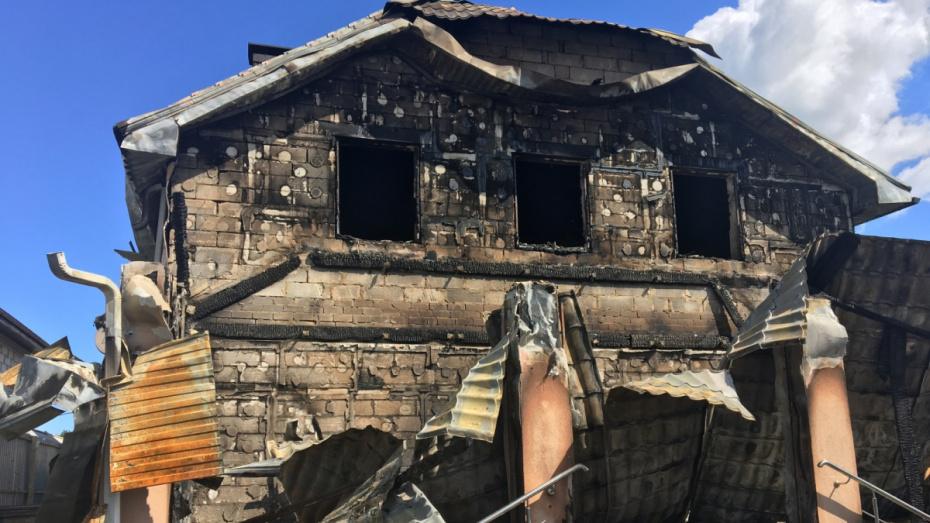 СК возбудил дело о покушении на убийство после поджога дома ректора воронежского вуза