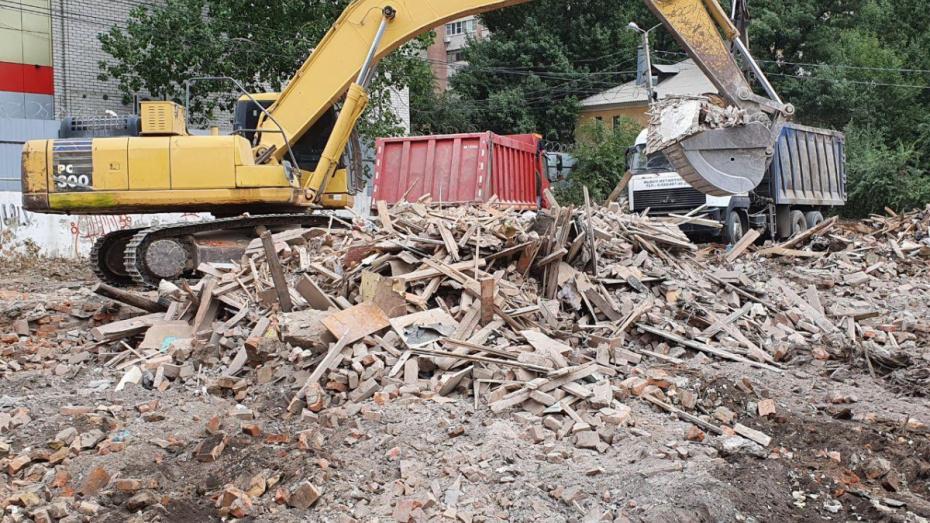 В Воронеже снесли дом, который блогер Варламов «прославил» на всю Россию