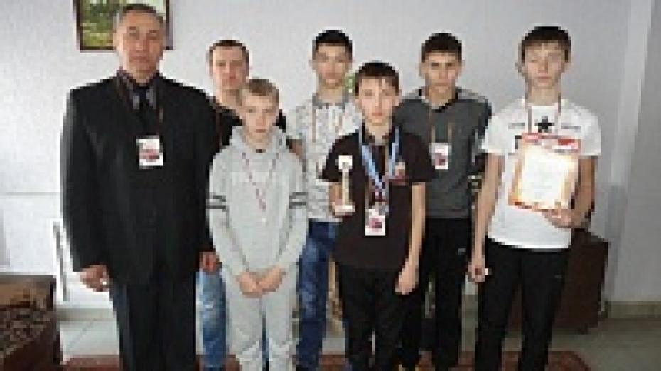Юные автомобилисты из Павловска заняли второе, третье и четвертое место в XVII зимнем чемпионате России по юношескому автомногоборью