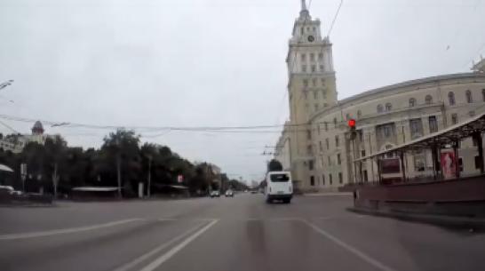 Воронежского 65-летнего водителя маршрутки оштрафовали после публикации в Сети видео