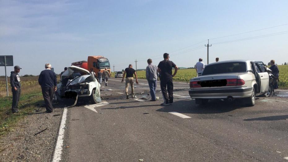 Под Воронежем встрашном ДТП умер 60-летний мужчина