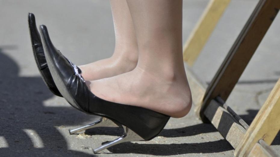 В Воронеже рецидивистка ударила продавца магазина каблуком по лицу