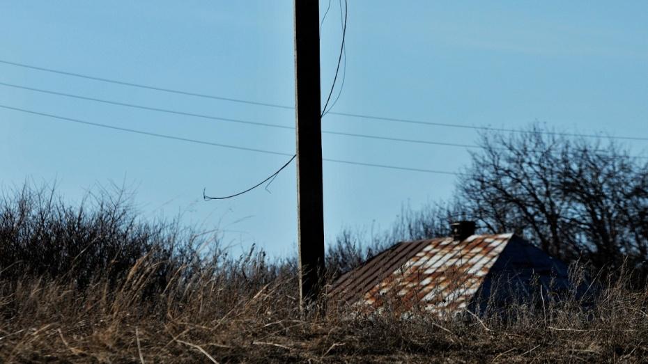 В 3 районах Воронежской области пропало электричество после грозы