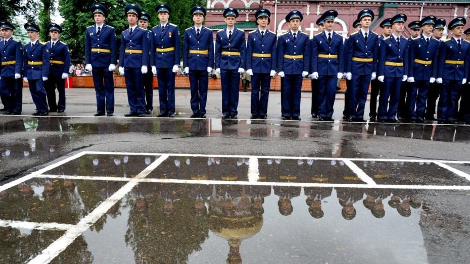 Абитуриенты устроили в воронежскую Военно-воздушную академию рекордный конкурс