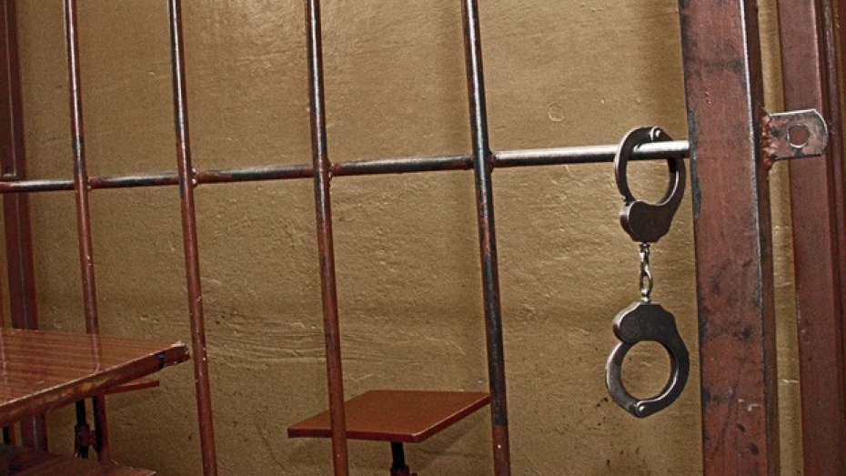 В Воронеже молодого человека, снимавшего квартиру, обокрал ее хозяин