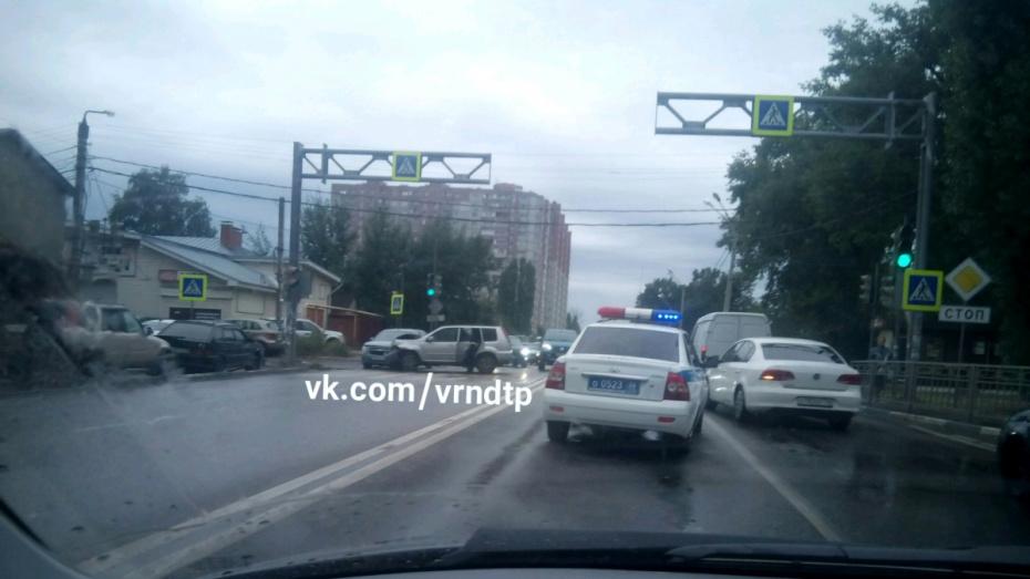В Воронеже при столкновении иномарок пострадали 9-летняя девочка и 2 женщины