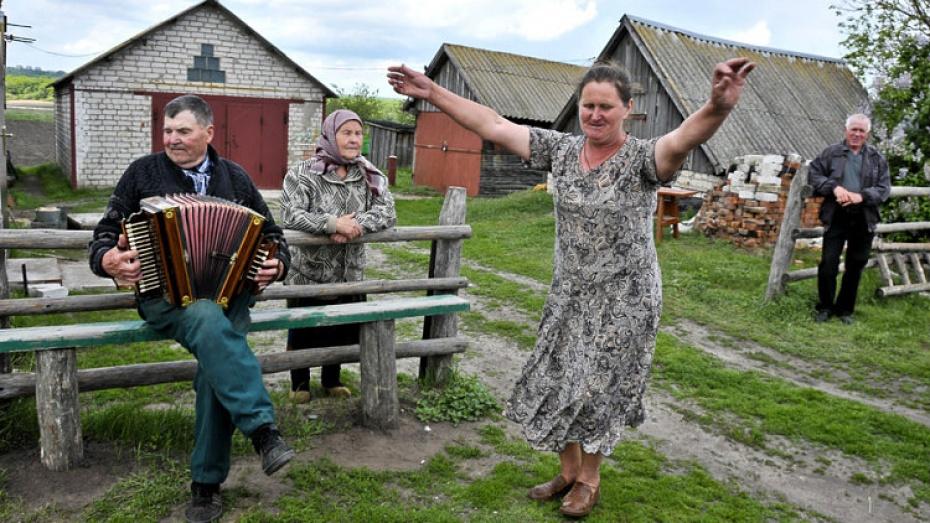 Жители Воронежской области добрее воронежцев