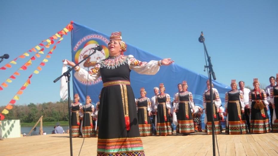 В Верхнемамонском районе начата подготовка к фестивалю «Песни над Доном»