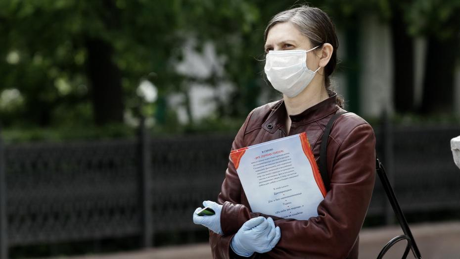 За время пандемии в Воронежской области пошили более 2 млн масок