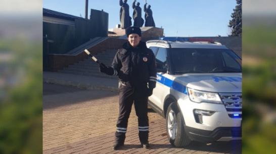 В Воронеже инспектор ДПС оказал первую помощь истекающему кровью мужчине