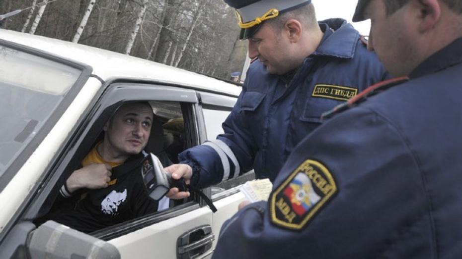 Штраф за выезд на встречную полосу с января возрастет до 5 тысяч рублей