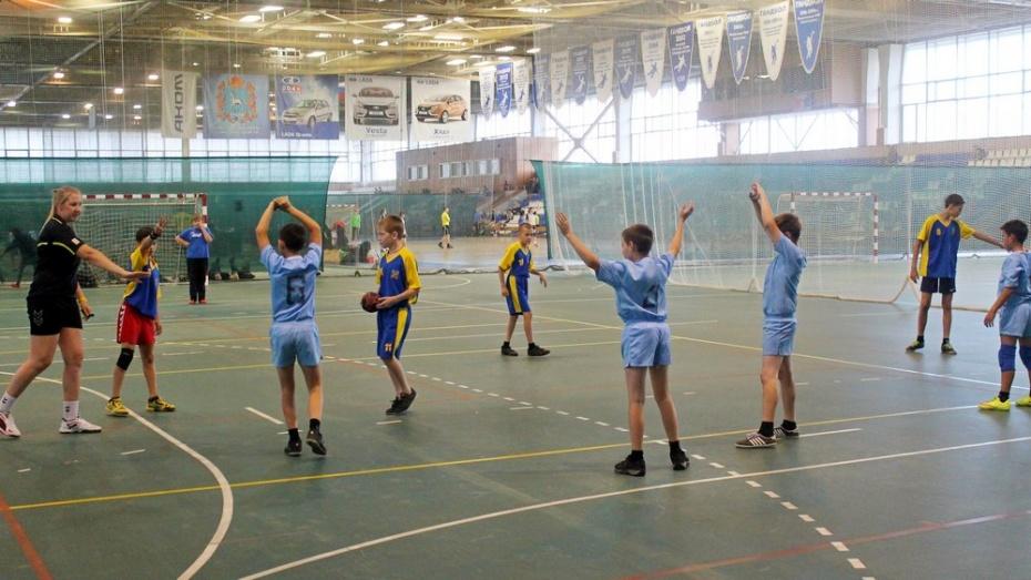 Хохольские гандболисты стали призерами фестиваля в Тольятти