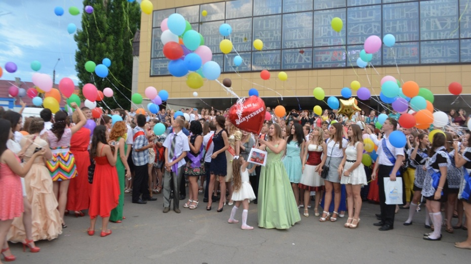 В Калачеевском районе 27 выпускников получили аттестаты особого образца и медали