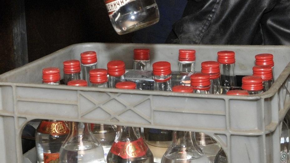 В Поворино полицейские изъяли у предпринимателя 284 бутылки контрафактного спиртного